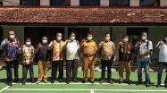 Rakhmadi Kepala DKPUS Babel foto bersama Kadis DPK Belitung, Kadis DPK Beltim dan rombongan, Selasa (29/6/2021).